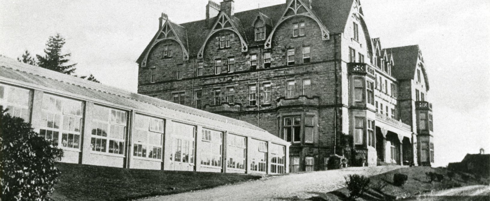 The Highland Hotel during its conversion to the Oppenheim Diamond Factory